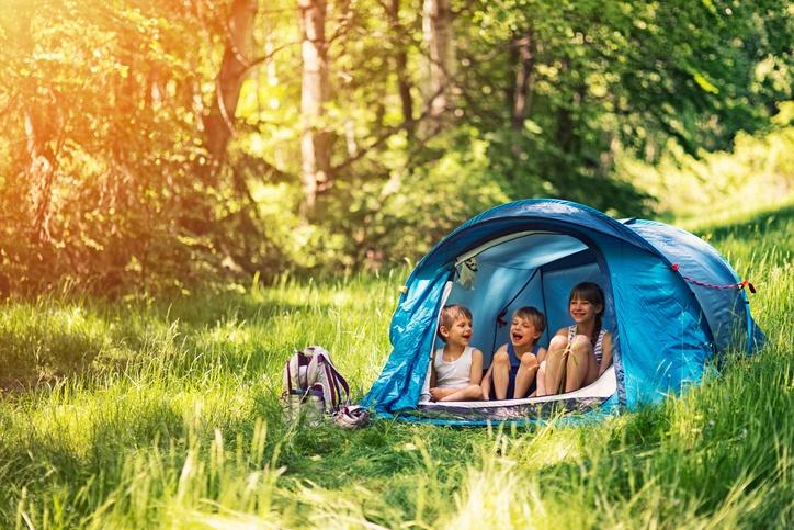 kids_in_tent.jpg