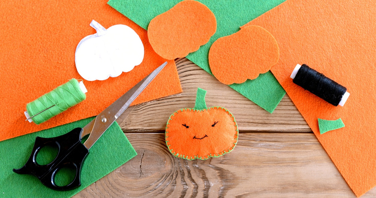 DIY_Pumpkin_craft_for_Halloween