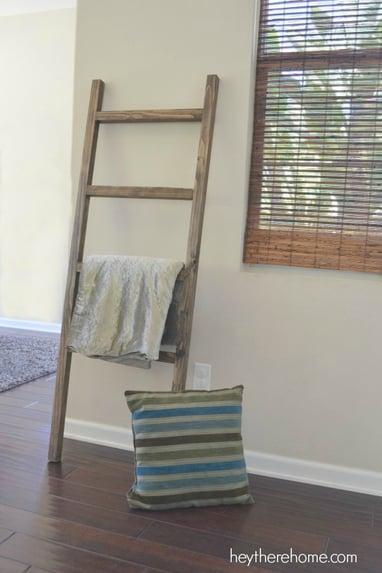 DIY-pottery-barn-blanket-ladder-2.jpg