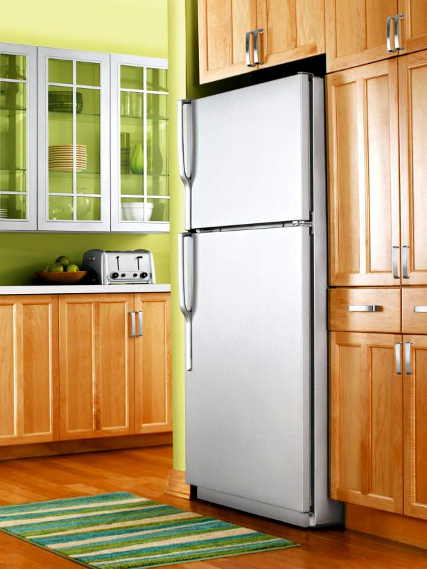 Refrigerator-with-liquid-stainless-steel.jpeg