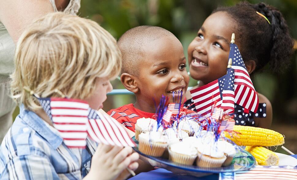 kids_at_a_Memorial_Day_Picnic