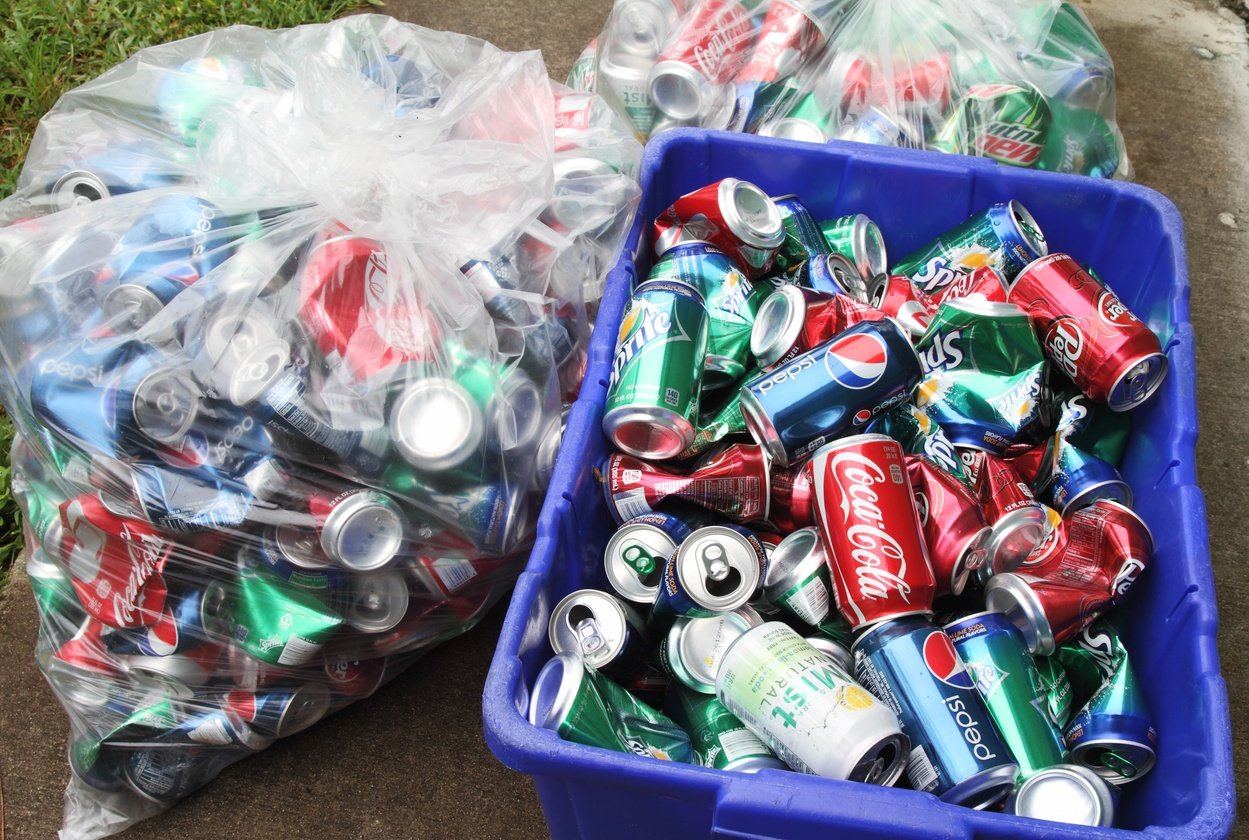 collection_of_cans