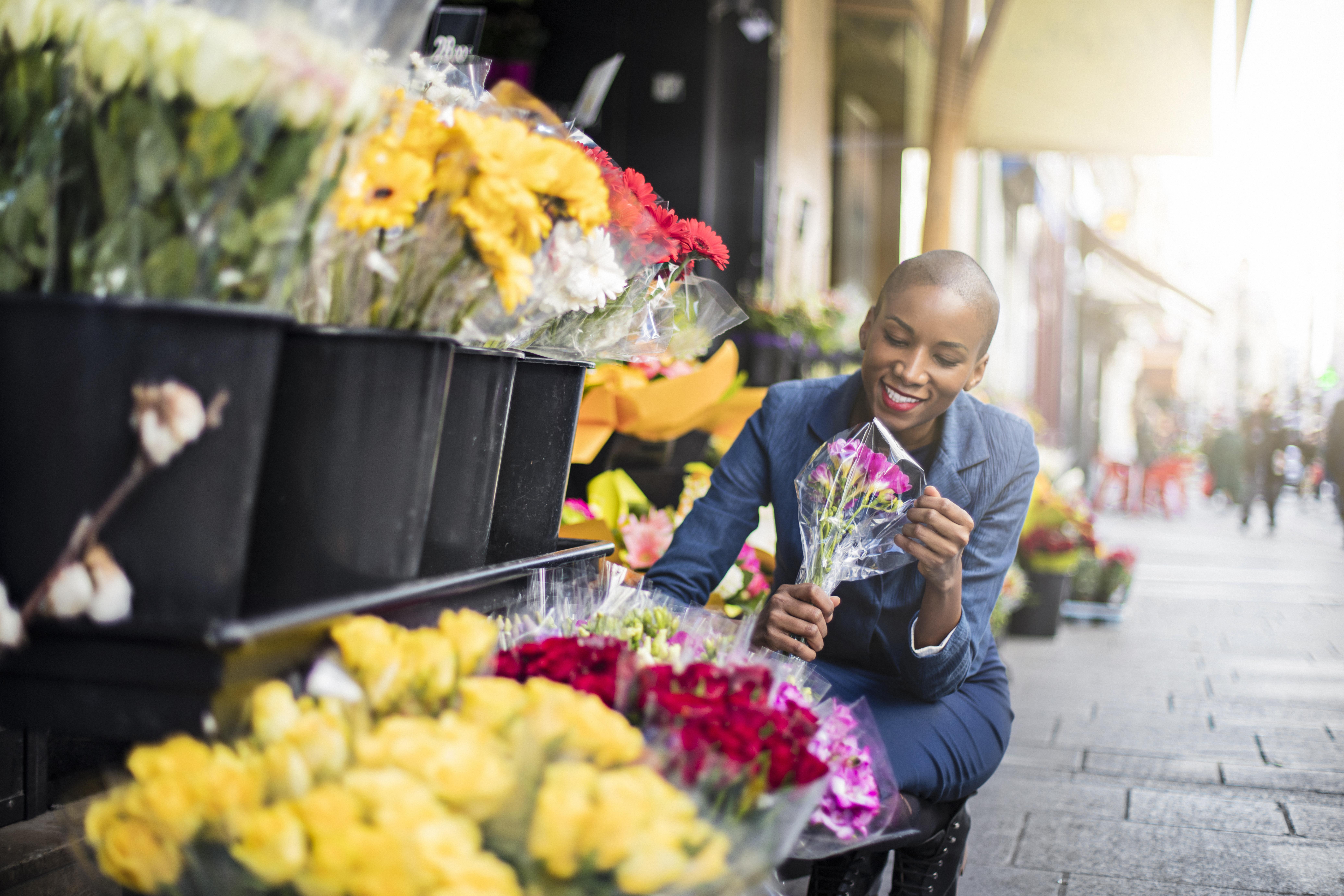 buying flowers.jpg