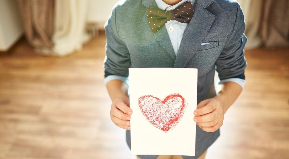 boy_holding_homemade_Valentine