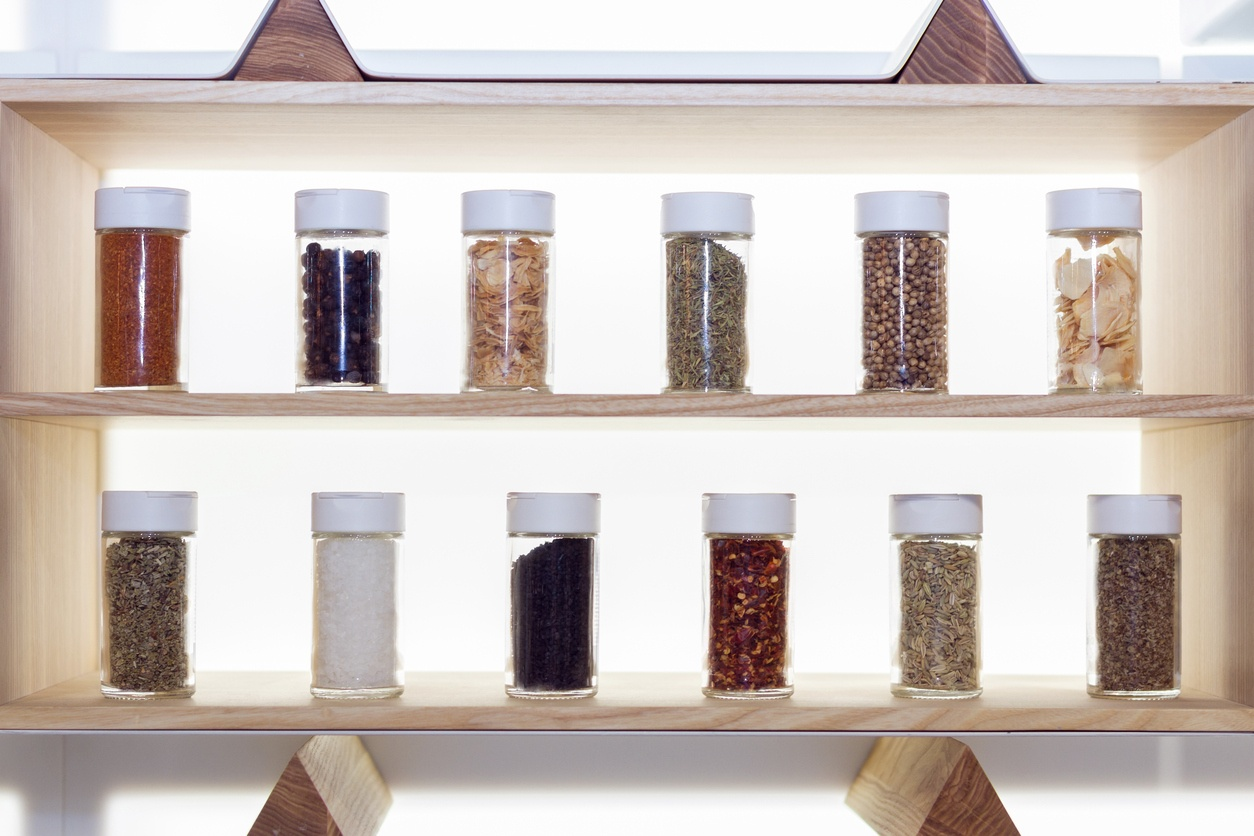 spice_rack_full_of_seasonings