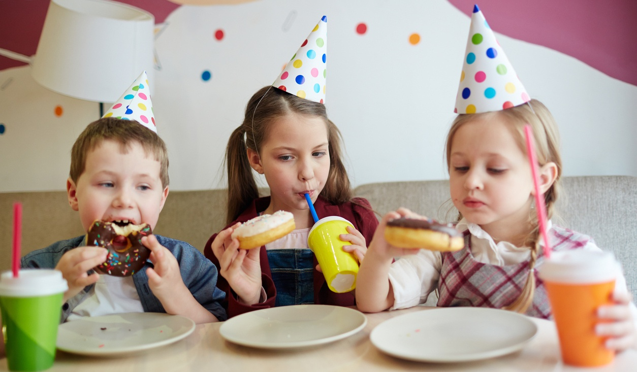 elementary_students_eating_donuts.jpg