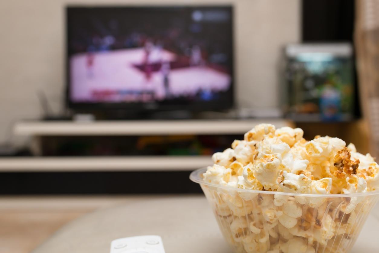 basketball_on_tv_popcorn_in_a_bowl.jpg