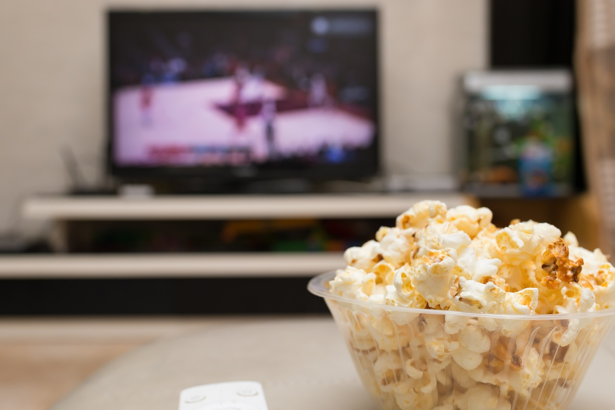 basketball_on_tv_popcorn_in_a_bowl.jpg