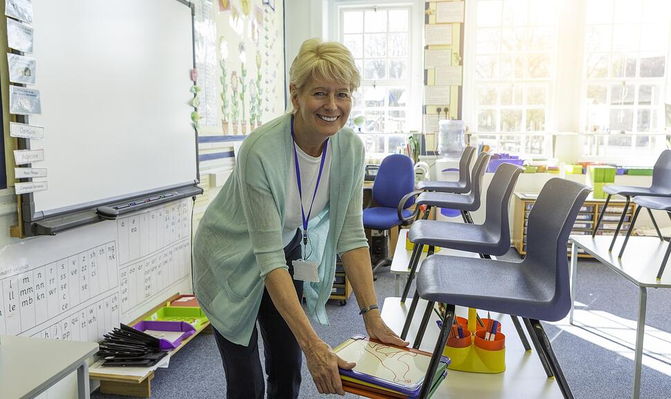 teacher_cleaning_up_classroom_at_the_end_of_the_day