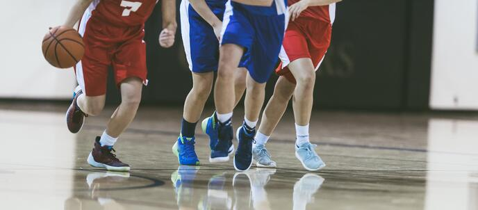 boys_playing_basketball