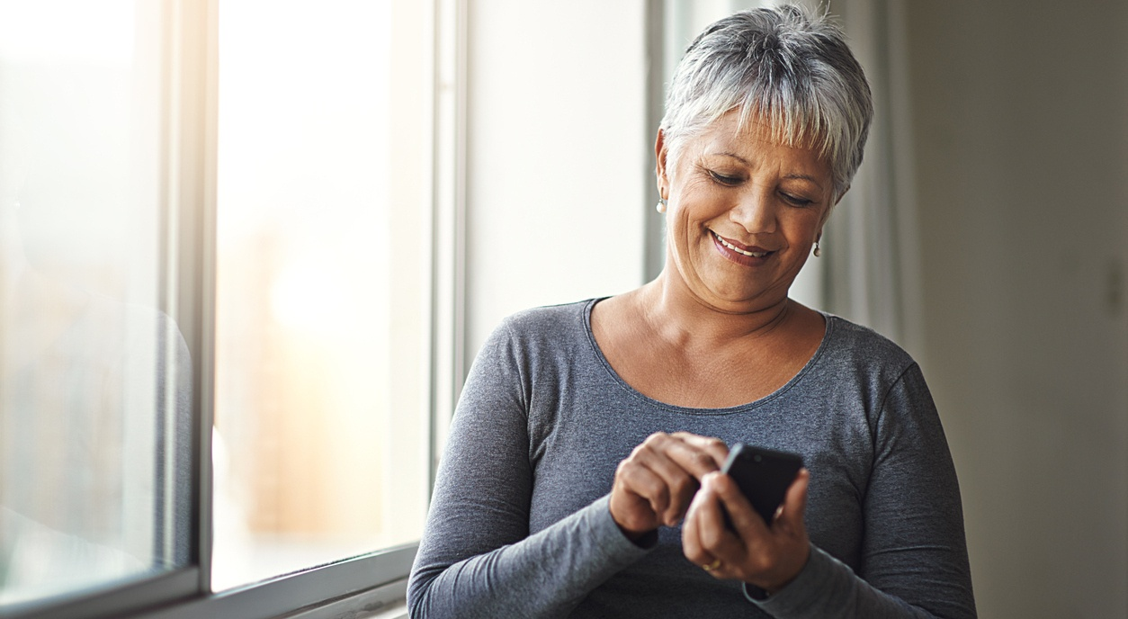 woman_on_mobile_phone.jpg
