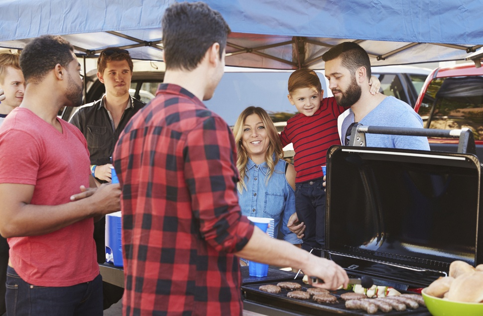 4 Ways to Save on a Tailgate