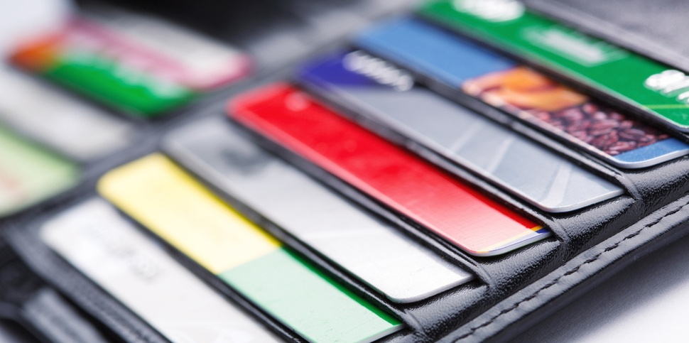 Gift Cards vs. Credit Cards: How are you paying for the holidays?